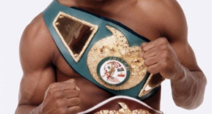 Hoy cumple años Michael Moorer, exboxeador de los semipesados y pesados en los 90`s